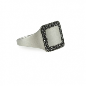 ARIO SIGNET RING