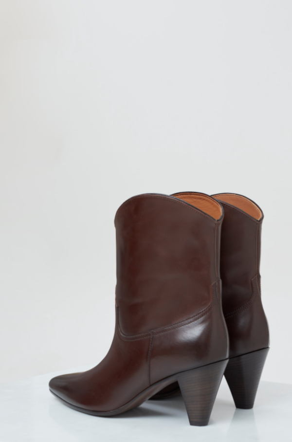 CLOSED WESTERN LICORICE BOOT